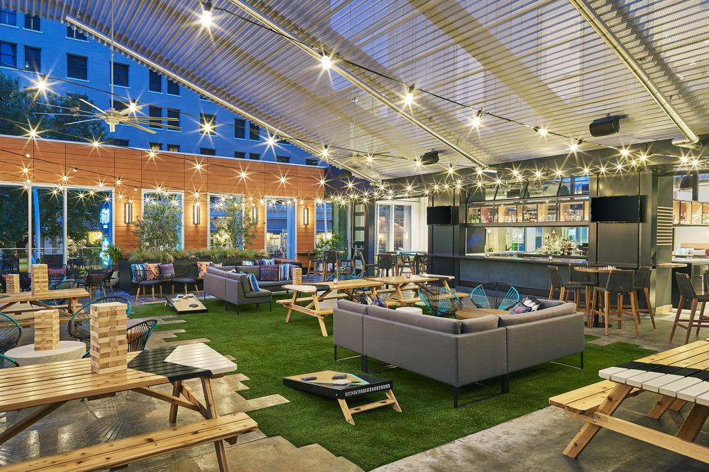 Aloft Austin Downtown: Branded Lifestyle Hotel Austin, TX